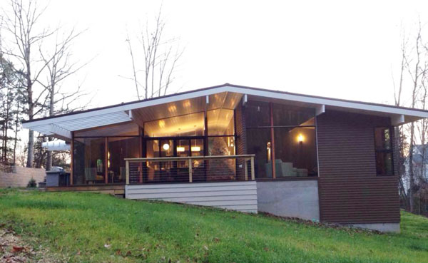 Đột nhập ngôi nhà có thiết kế trung đại đốc đáo ở Tennessee